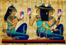 Hieroglyphs of Ancient Egyptian Women Taking Selfies Found by Oxford Archeologists