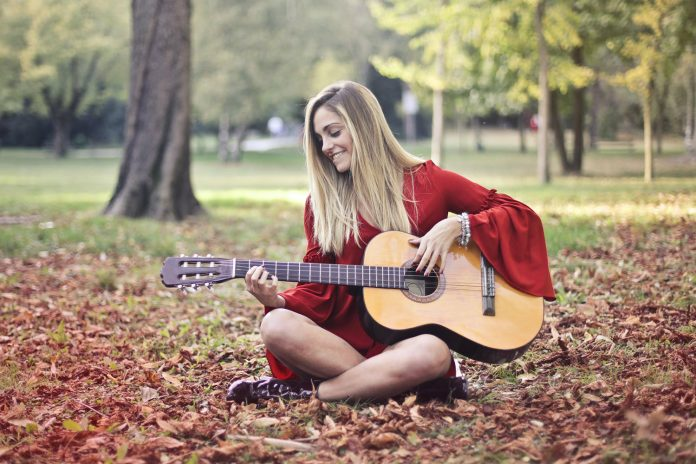 So Inspiring! Pretty Girl Writes Song About Being a Pretty Girl Called Pretty Girl